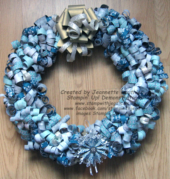 Christmas-paper-wreath-550p