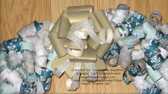 Christmas-paper-wreath-bow